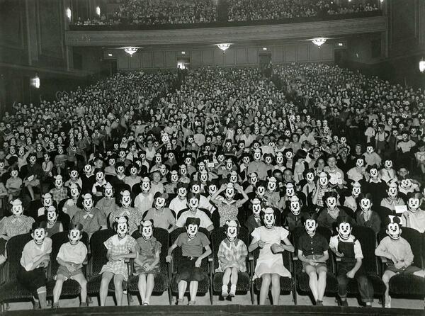 لقاء لنادي ميكي ماوس - 1930