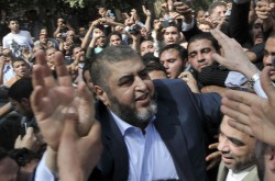 Muslim Brotherhood presidential hopeful, Khairat al-Shater presents his documents