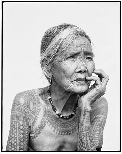 La dernière femme Kalinga tatouée