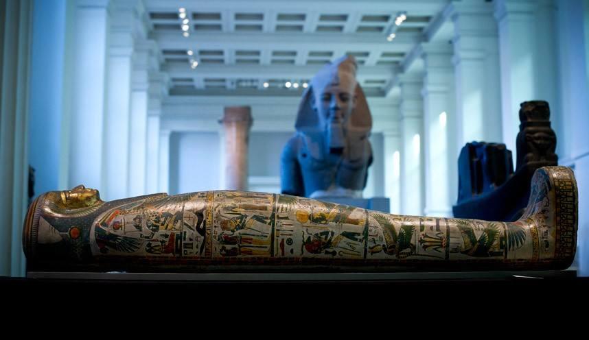 تابوت مغنية معبد آمون