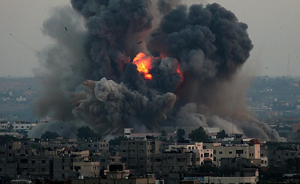 140708-gaza-air-strike-jms-1752_36a264426e5b2755264c0ed6f99f8e4c