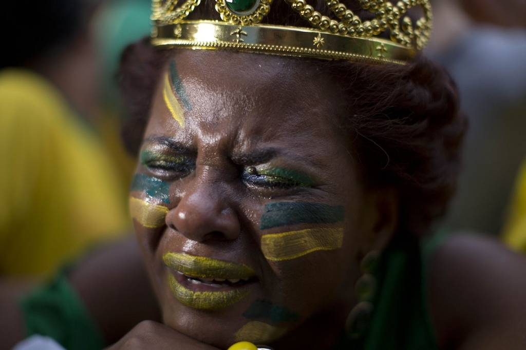 الحزن حد البكاء في مدرجات ستاد مينيراو - Photo: The Independent