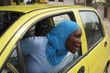 Senegal-female-taxi-drivers-2010-05-03