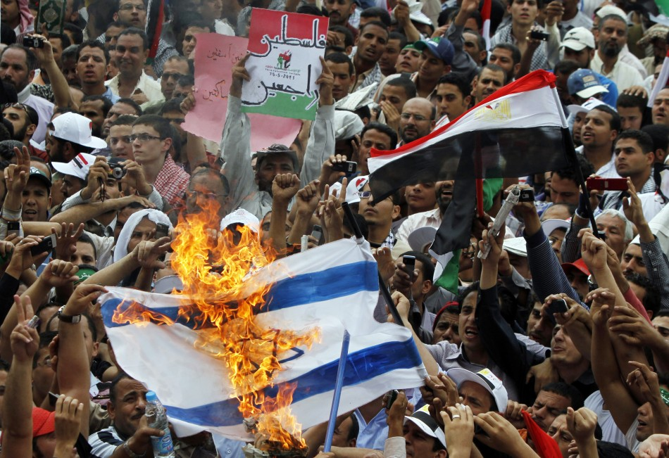 egyptian-burn-israeli-flag