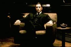 آل باتشينو من فيلم الأب الروحي أحد أكثر الأفلام  شعبية عبر التاريخ