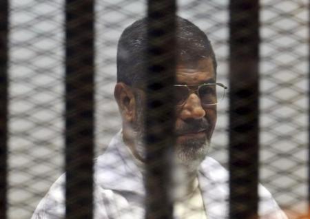 بدء محاكمة الرئيس المصري السابق محمد مرسي بتهمة إفشاء وثائق لقطر