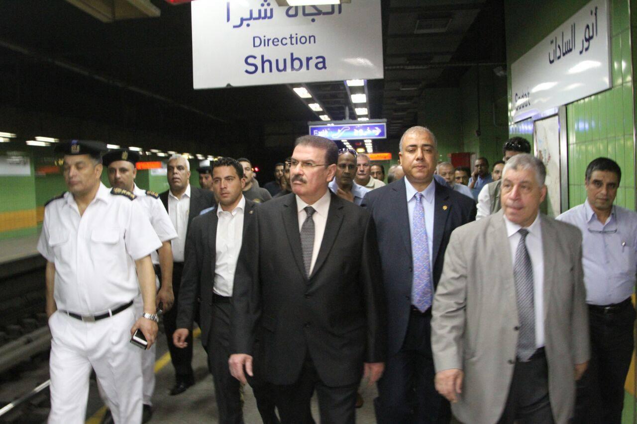 وزير النقل في محطة السادات- صورة نشرتها صفحة وزارة النقل