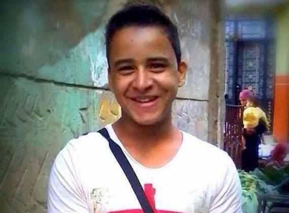 """محمود محمد تجاوز 500 يوما في السجن بسبب """"تي شيرت"""""""