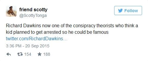 ريتشارد دوكينز الأن أحد أصحاب نظريات المؤامرة، الذي يعتقد أن طفلاً خطط لاعتقاله ليصبح مشهوراً