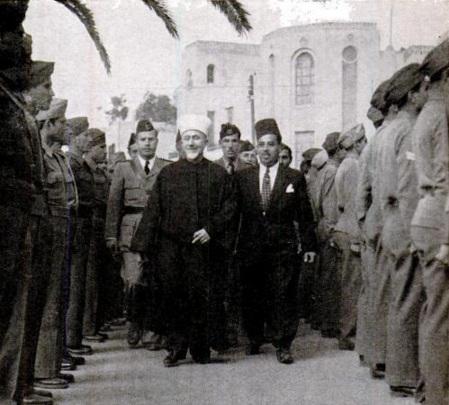 الحاج أمين الحسيني يتفقد في القاهرة يتفقد القوات قبل محاربة إسرائيل، عام 1947