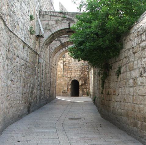 شوارع القدس خالية بسبب الخوف من هجمات السكاكين