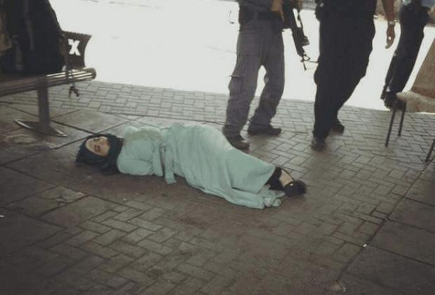 الفلسطينية إسراء عابد ت إطلاق الرصاص الإسرائيلي عليها في محطة ة حافلات