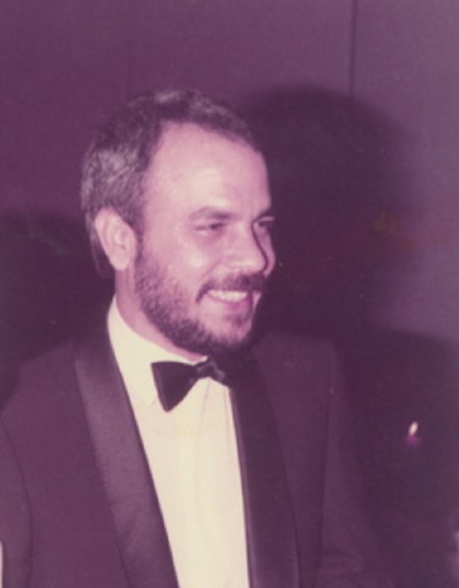 عصام عبد الله