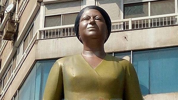 دهان-تمثال-أم-كلثوم