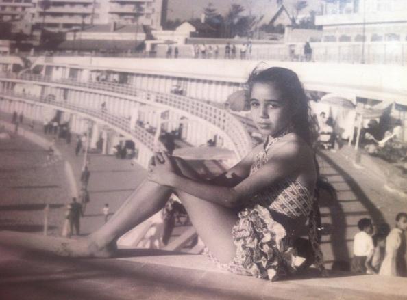 خالتي لولا في عمر العشر سنوات، عام 1958، على شاطئ ستانلي