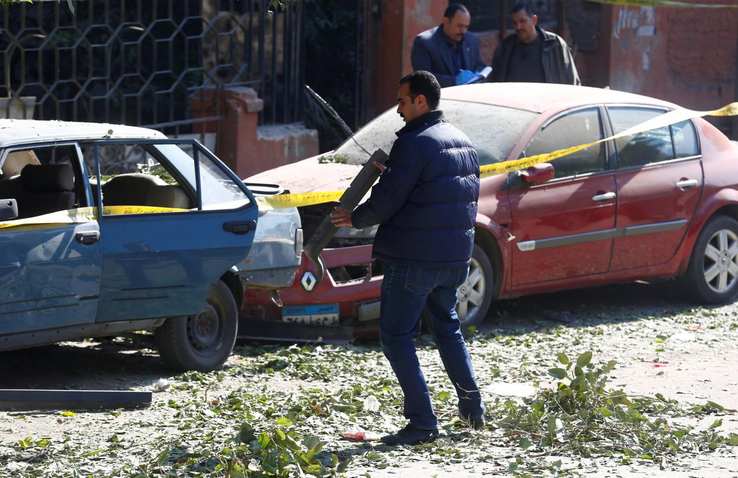2016-12-09T113323Z_01_GGG-AMR015_RTRIDSP_3_EGYPT-VIOLENCE-BLAST-4766