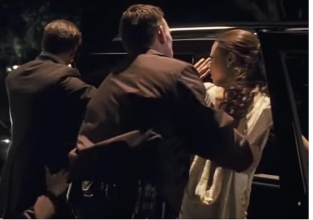 الصورة من الفيلم الأمريكي (crash) المنتج سنة 2004