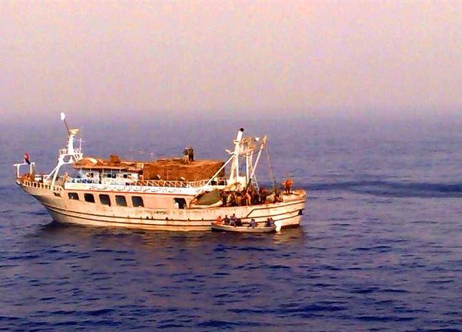 البحرية-التونسية-تنقذ-بحارًا-مصريا-مص-1443310069