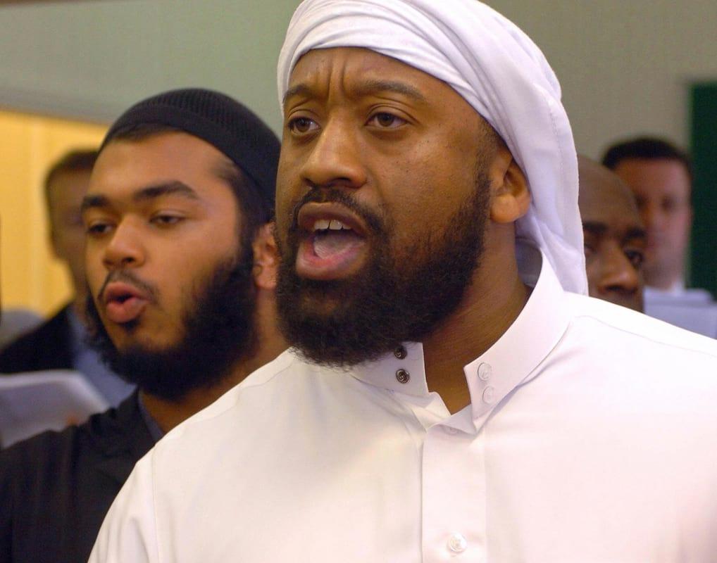 أبو عز الدين المعروف سابقا باسم تريفور بروكس