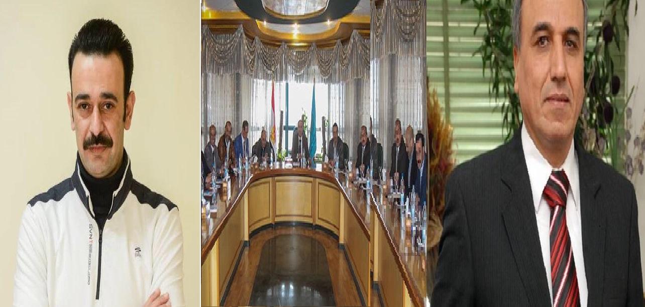 إلى اليمين نقيب الصحفيين عبد المحسن سلامة وإلى اليسار عمرو بدر وفي المنتصف لقطة من اجتماع النقابة اليوم