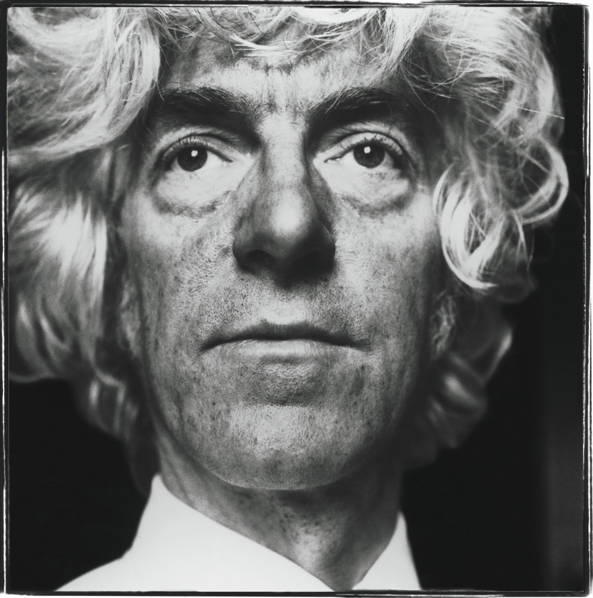 British philosopher Derek Parfit, the author of 'Reasons and Persons', in London, 1991. (Photo by Steve Pyke/Getty Images)